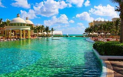 How Much Is It to Charter a Private Jet to Cancún?